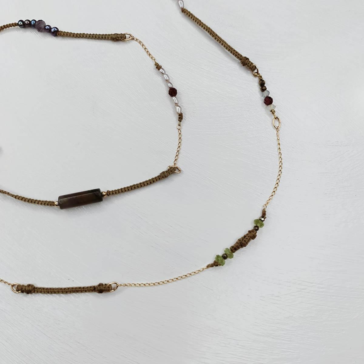 le Grand Tissé 2 en 1 doré et pierres naturelles
