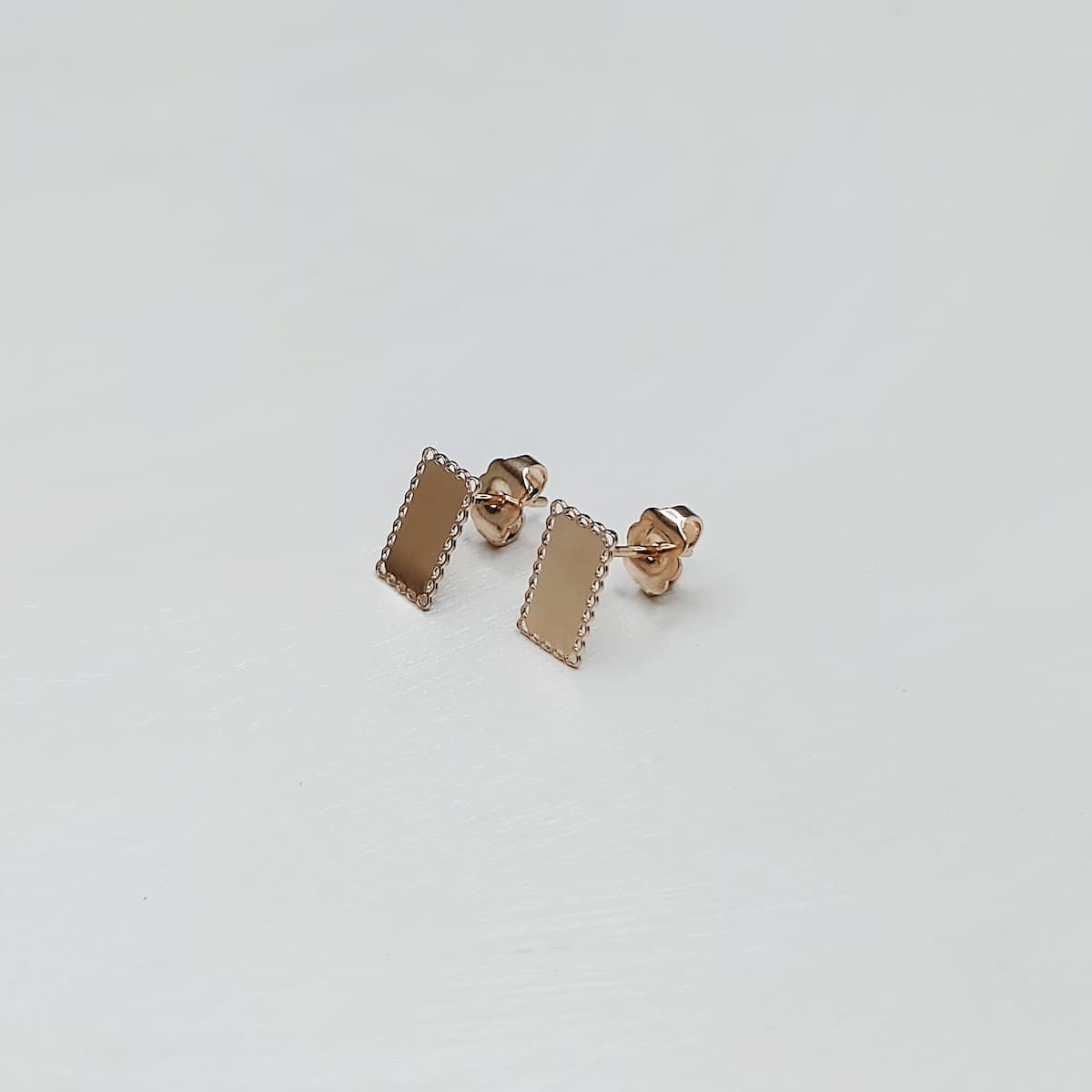 Puces d'oreille «Dentelle Rectangle» – Plaquée or rose