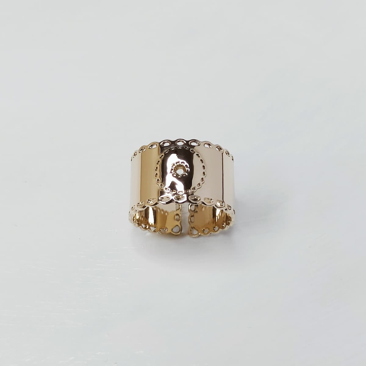 Bague «Dentelle Royale» – plaquée or